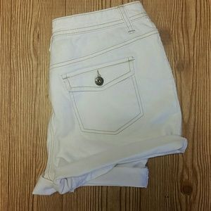St. Johns bay stretch white denim shorts